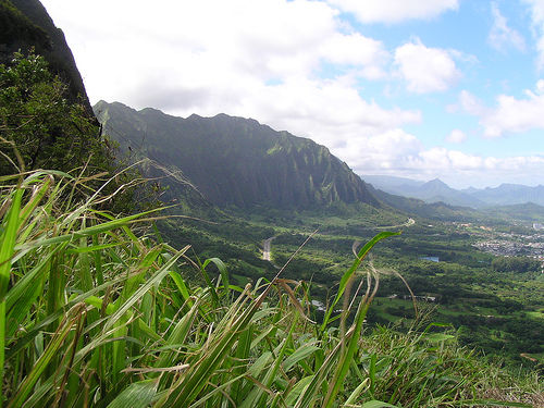 Pali Lookout Hawaii cc J mullhaupt Flickr