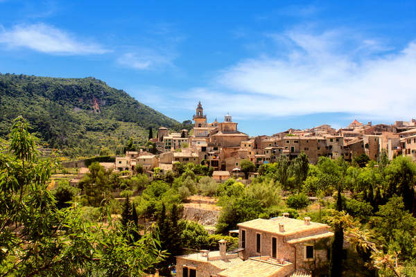 Valldemossa - das beruehmteste Dorf auf Mallorca © AlisaFotographie - Fotolia.com