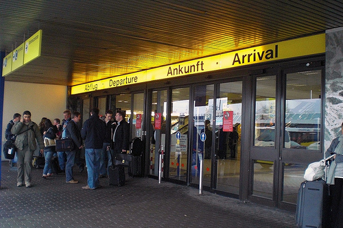Abflug/Departures-Ankunft/Arrival von onnola by Flickr.com