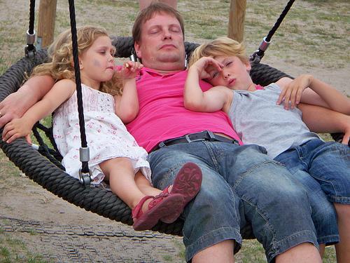"""""""in den Schlaf wiegen"""" von Haltungsturner by Flyckr.com"""