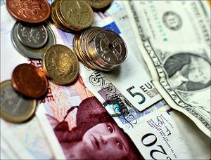 Various world currencies. Foto: Ben Andreas Harding / Flickr (CC BY-NC-SA 2.0)