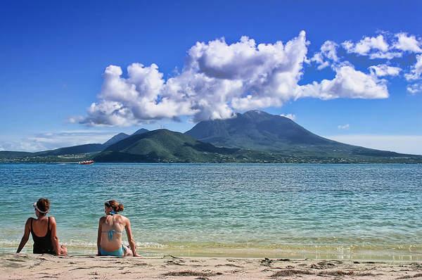 Nevis from St. Kitts cc Daniel / Flickr