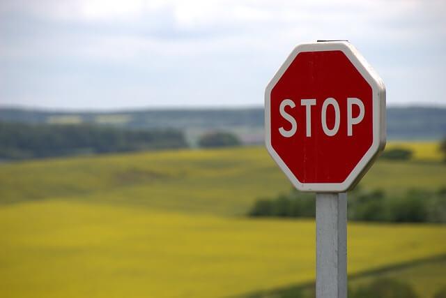 Stop cc Knerri61 / Pixabay.com