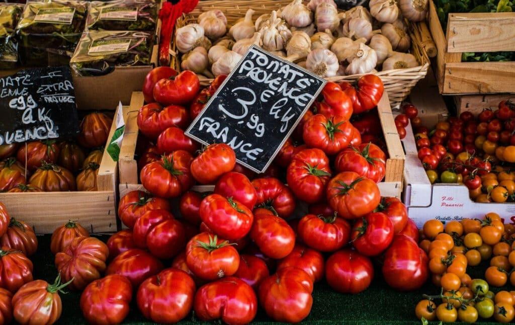 Tomaten - auf dem Markt in der Provence